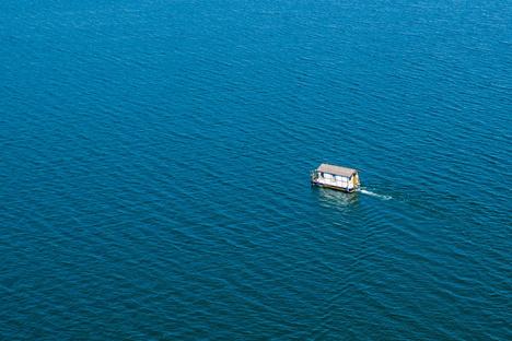 Boot treibt bei Gewitter am Fleesensee ab