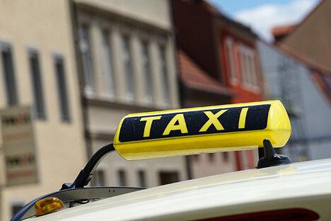 Quartett greift Taxifahrer in Chemnitz an