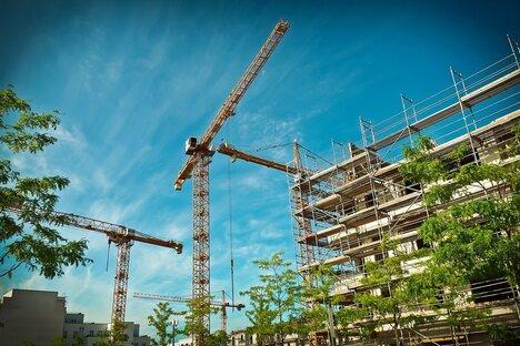 Mehr Kredite für Wohnimmobilien