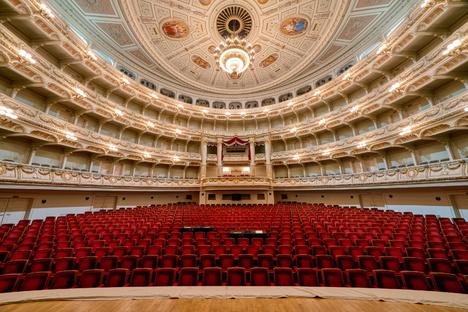 Feuilleton: Große Oper in der Semperoper wohl ab Mai