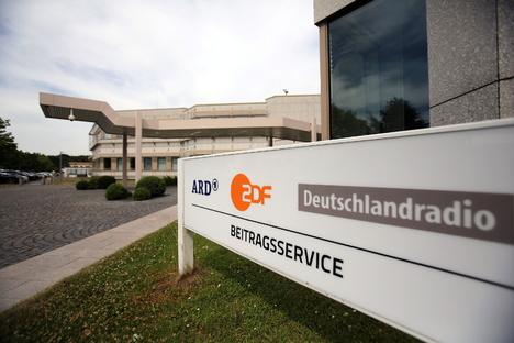 Politik: Karlsruhe entscheidet über Rundfunkbeitrag