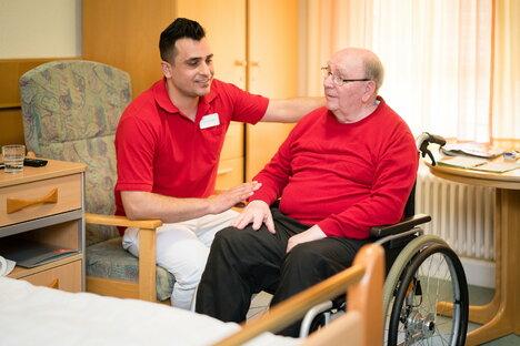 Altenpfleger halten im Schnitt zwölf Jahre durch