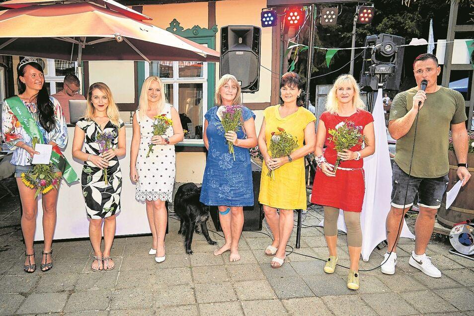 Sie machten bei der ersten Miss-Kirnitzschtal-Wahl mit: (vl.) Manuela, Lenka, Karin, Susanne, Silke und Katy.