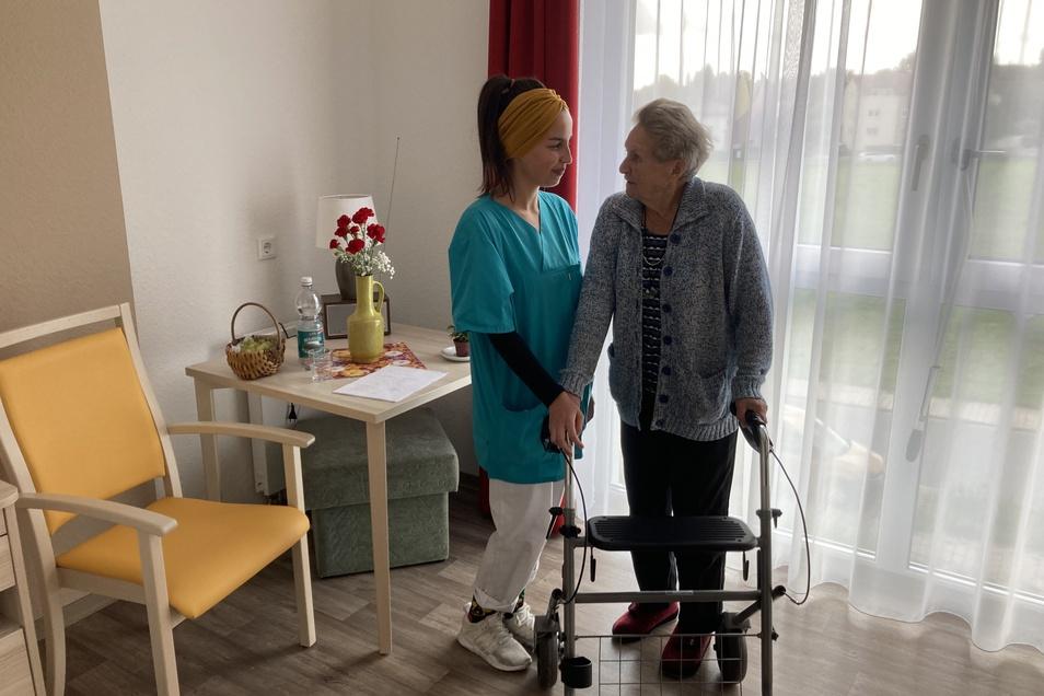 Als Pflegefachkraft älter werdenden Menschen ein zu Hause geben.