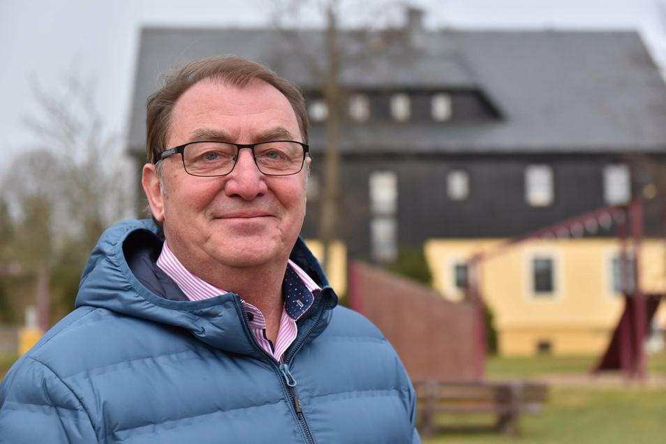 Der 63-jährige Andreas Liebscher ist ehrenamtlicher Bürgermeister der Gemeinde Hermsdorf/Erzgebirge. Er will bei der Wahl nächstes Jahr wieder für den Fremdenverkehrsverein antreten.
