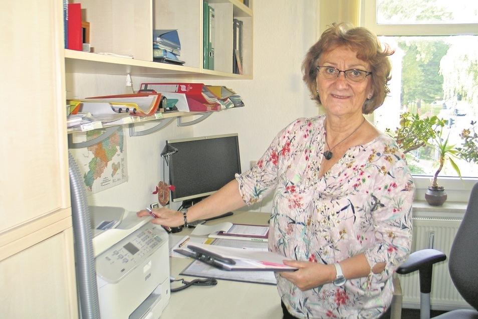 Seit 23 Jahren leitet Annegret Grothkopp die Mobbingberatungsstelle Oberlausitz in Bautzen. Dorthin werden auch Betroffene aus Weißwasser und dem Umland verwiesen. Selber schon etliche Jahre im Ruhestand, ist für sie Ende 2021 nun endgültig Schluss.