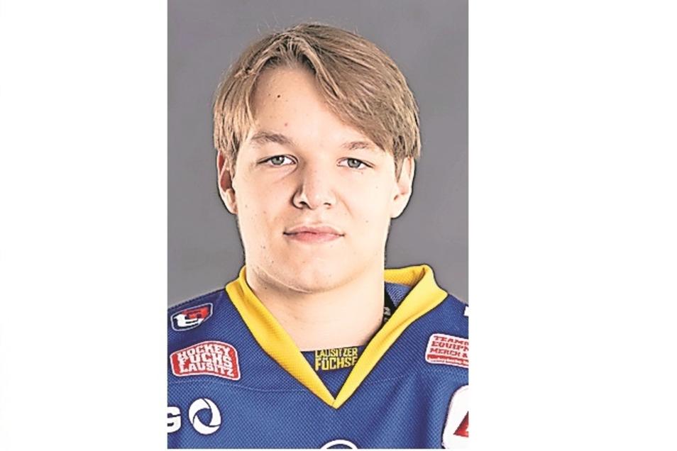 Eric Steffen:Nr. 4, Torwart, geb. 12.12.00 in Berlin,      1,78 m/70 kg, Profispiele: 0, Füchse seit 2020, Vereine: Eisbären Juniors Berlin