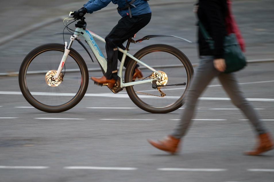 Mit einem teuren Mountainbike wird der Angeklagte von der Polizei erwischt. Es ist gestohlen.