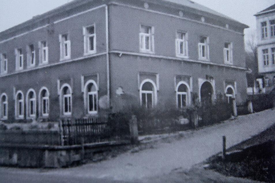 So sah die Alte Schule in Cotta früher aus.
