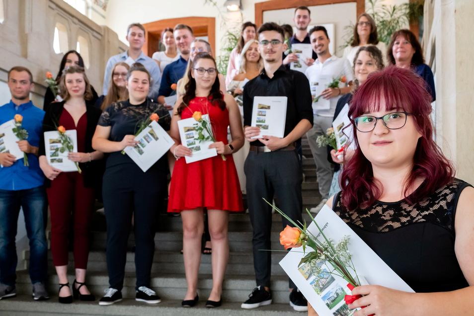 Louisa Schneider und die anderen Absolventen.