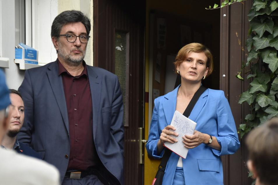 Sachsens Spitzenkandidatin Katja Kipping (rechts) sieht den Grund für das schlechte Ergebnis in der Dominanz der Kanzlerkandidaten im Wahlkampf. Sachsens Linken-Landeschef Stefan Hartmann (links) sieht Handlungsbedarf.
