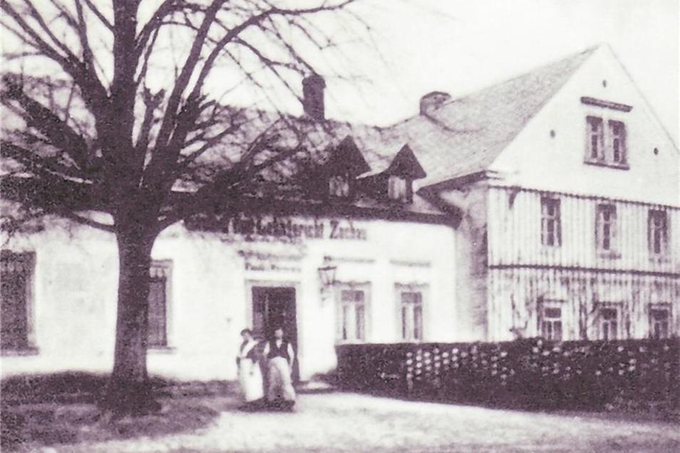 erstmals erwähnt 1350 als Zcoch/Zochau (Siedlung durch Pfahlzäune geschützt), zuletzt 143 Einwohner, verlassen 1938. Ein Turm und ein Pfad im NSG erinnern an Zochau.