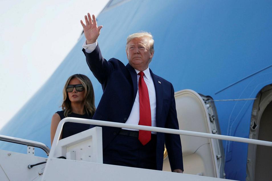 Donald Trump, Präsident der USA und seine Frau Melania Trump, First Lady der USA, besteigen die Air Force One für eine Reise nach Dayton (Ohio) und El Paso (Texas).
