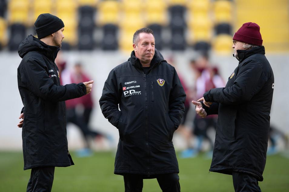 Dynamos Trainer-Trio ist komplett: Willi Weiße (l.) bleibt Assistent von Chefcoach Marco Kauczinski (M.), Heiko Scholz ist der Dritte im Bunde.