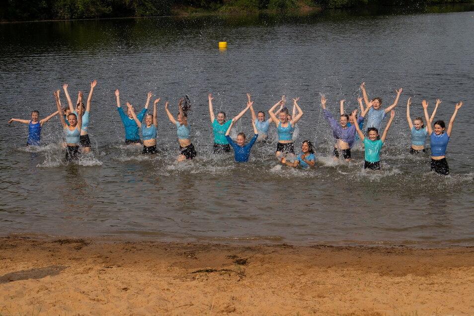 Eine der Tanzszenen spielt im Kötitzer Badesee - die Wassertemperatur passte im Juni bereits mit etwa 20 Grad.
