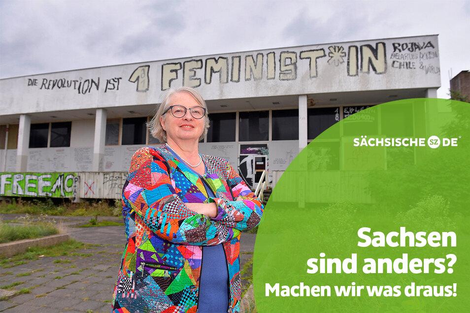 Sternchen nutzt sie nicht, verfolgt aber die Diskussion mit Interesse: Die Dresdnerin Manuela Queitsch, 63, auf dem Robotron-Gelände in Dresden.