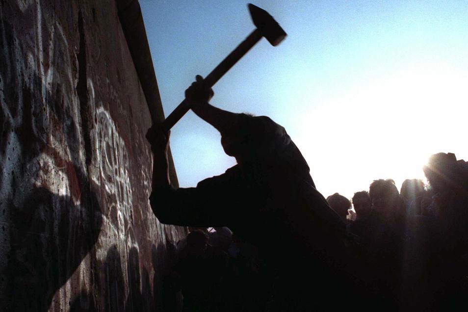 Immer wieder nötig: Der Kampf um die Freiheit. Friedrich Hegel nutzte aber lieber Worte als Hammer.