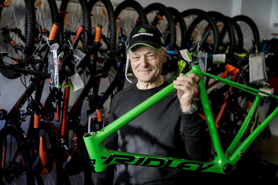Joachim Kramer hat sein Geschäft Radsport Kramer an der Reichenbacher Straße in Rauschwalde.
