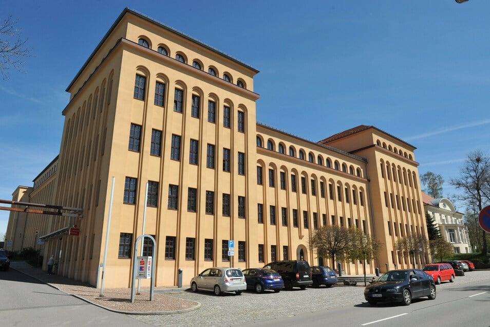 Das Landratsamt Mittelsachsen hat neun neue Mitarbeiter. Sie haben gerade ausgelernt.