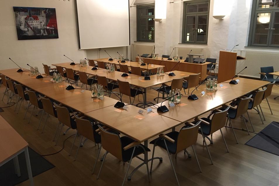 Ratssaal im Pirnaer Rathaus: in Zeiten von Corona für Sitzungen nicht geeignet.