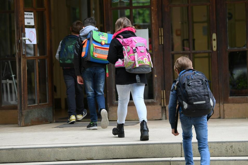 Seit Montag sind die Schulen geöffnet, doch nicht alle Familien in Dresden nutzen den Präsenzunterricht.