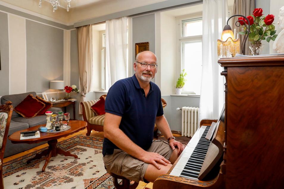 Die Wohnung im ersten Obergeschoss hat der Dresdner Architekt für sich selbst hergerichtet.