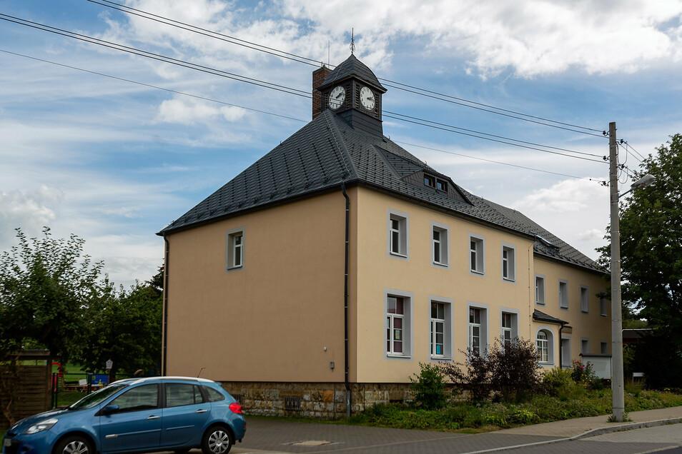 Die Elternbeiträge für die Kinderbetreuung in Glashütte - hier ein Foto vom Kindergarten in Cunnersdorf - sollen erhöht werden.