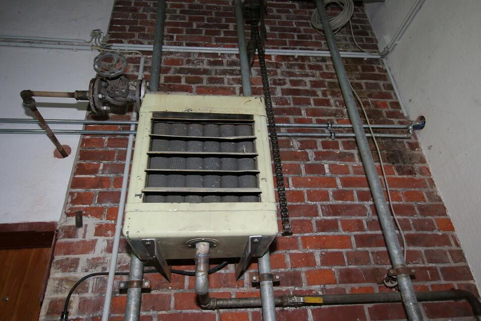 Auch dieser Wandheizer funktioniert mit Dampf.