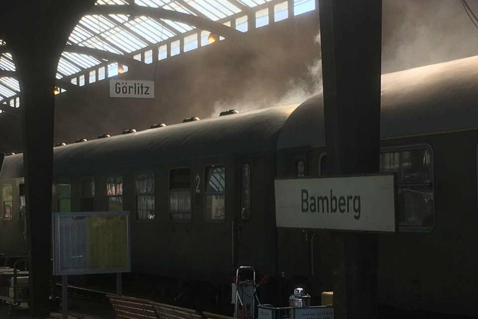 Zeitgenössische Züge stehen im Görlitzer Bahnhof - der für den Film aber zum Bamberger Bahnhof wurde.