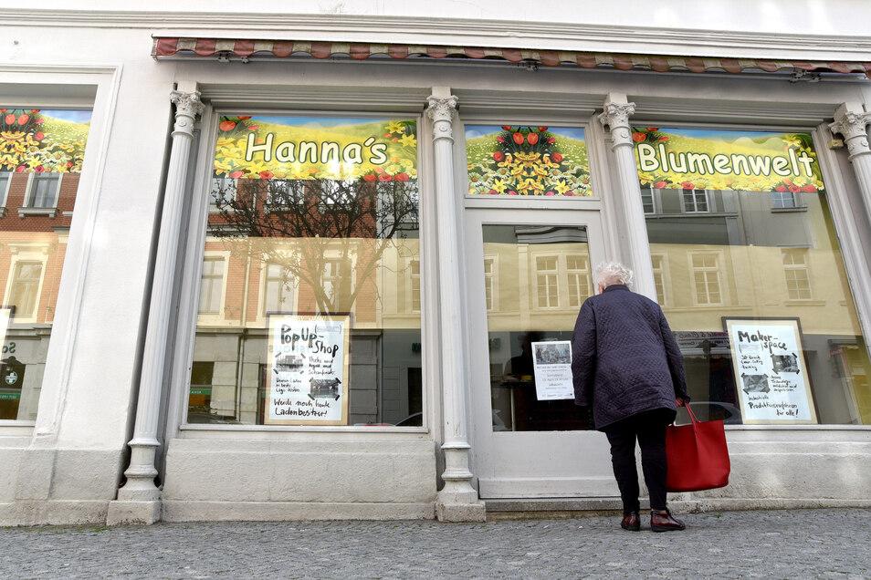 """Der Blumenladen ist schon wieder ausgezogen - """"Löbau lebt"""" zieht jetzt ein in die Bahnhofstraße 26 in Löbau."""