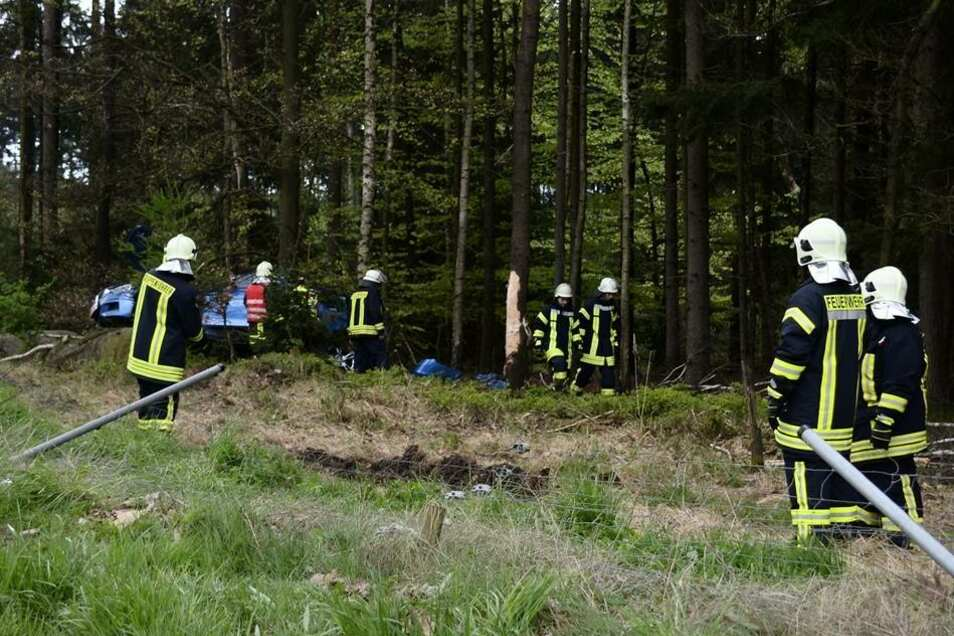 Allerdings gestaltete sich die Bergung des Unfallautos schwierig.