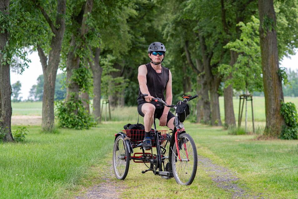 Enrico Wenzel aus Kamenz trainiert regelmäßig, damit er im August seine Schlaganfall-Deutschland-Tour mit dem Dreirad wieder aufnehmen kann. Auch sein Verein unterstützt ihn.