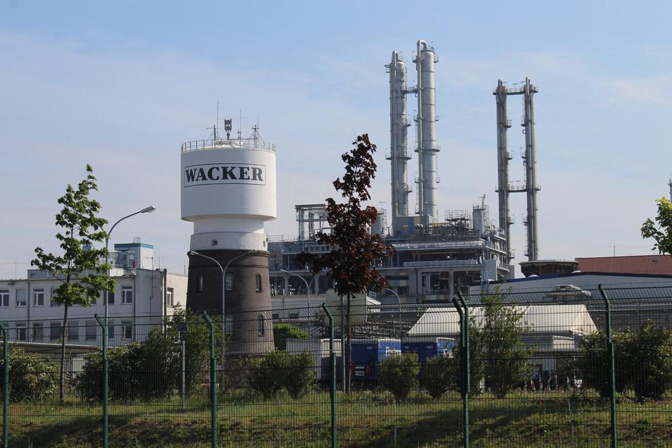 Die dunklen Wolken über dem Nünchritzer Chemiewerk sind verschwunden. Wacker investiert wieder.