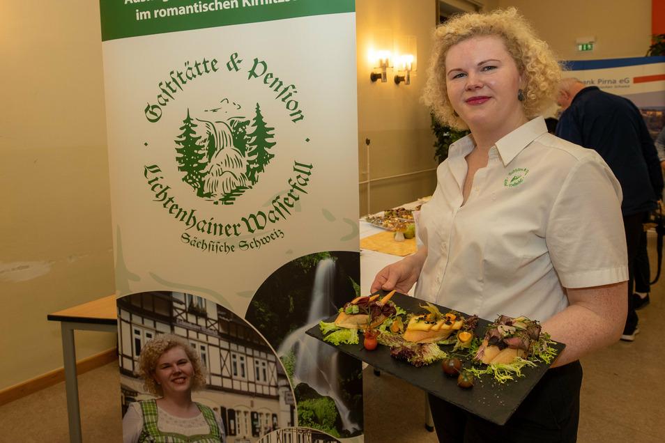 Für sie ist die Teilnahme auch in diesem Jahr Ehrensache und Freude: Elisabeth König von der Gaststätte und Pension Lichtenhainer Wasserfall.