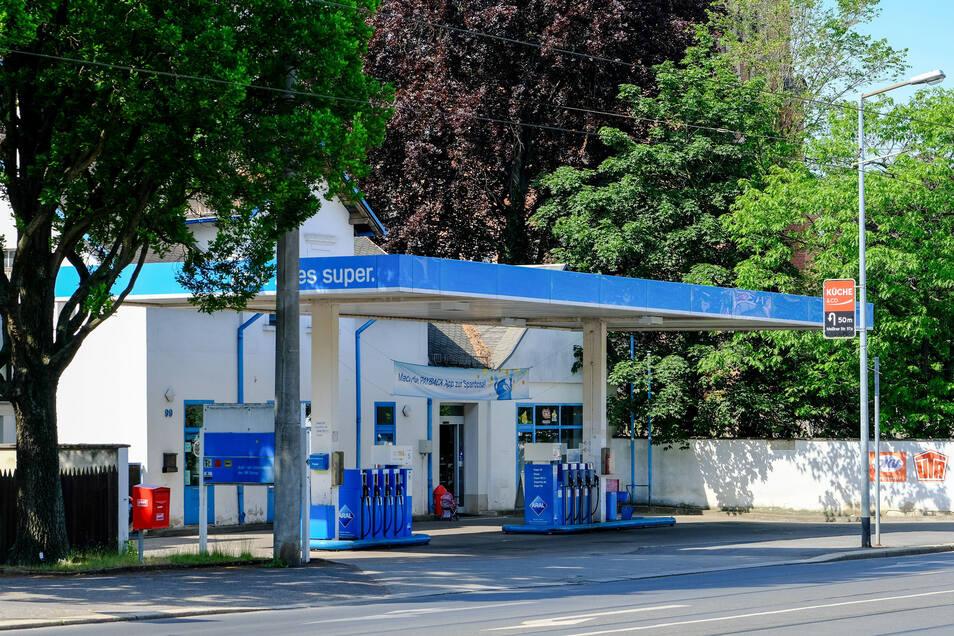 Es geht um das Grundstück mit der Tankstelle an der Ecke Meißner Straße, Schildenstraße.