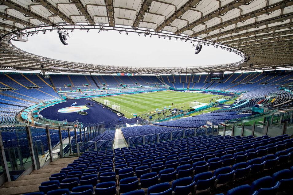 Rom, Olympiastadion: 16.000 zugelassene Zuschauer; drei Gruppenspiele, ein Viertelfinale.