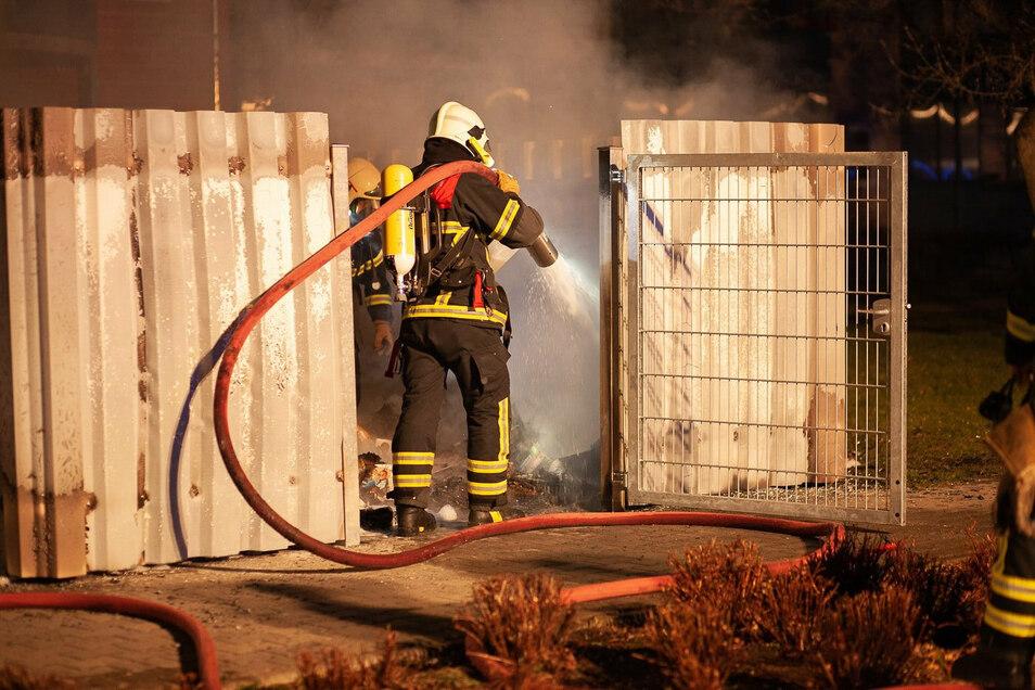 In der Nacht vom 3. zum 4. April brennt es an der Lößnitzstraße.
