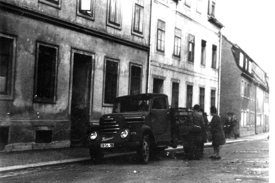 Das Bild zeigt den Firmenwagen der Brauerei Krüger aus Mockritz/Großweitzschen auf der Waldheimer Straße in Döbeln.
