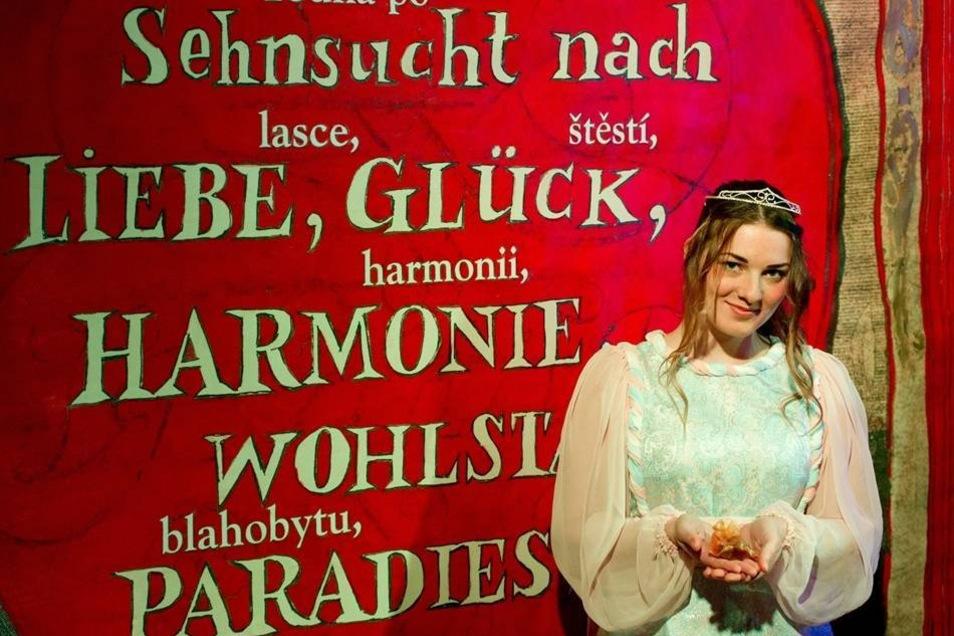 Die Studentin Freya Umbach posiert als Aschenbrödel.