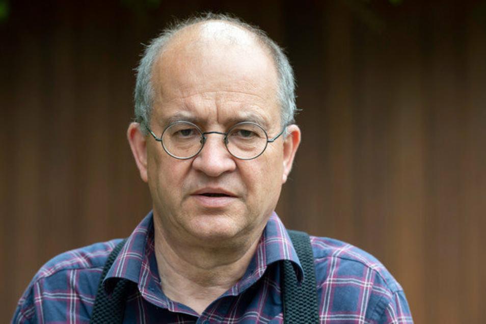 Arnold Vaatz  hat seine Absicht bekräftigt, in der Feierstunde das sächsischen Landtags am 3. Oktober die Festrede halten zu wollen