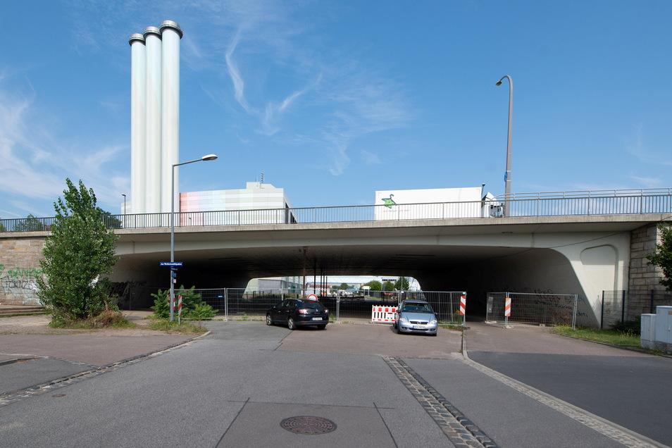 Was wird aus dem Radweg entlang der Fabrikstraße?