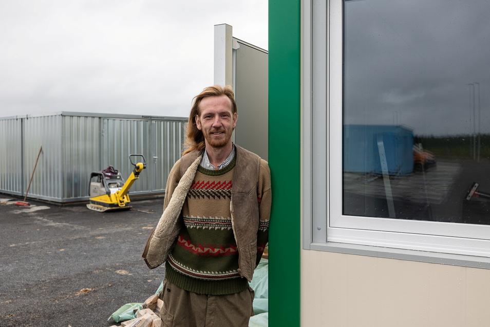 In Cunnersdorf entsteht ein neuer Wertstoffhof, der am 2. Oktober feierlich eröffnet wird. Stephan Sobota, der bisher in Elend arbeitet, wird einer der neuen Mitarbeiter sein.