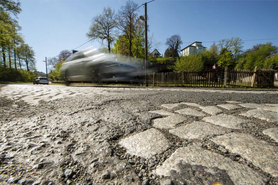 Schlechter kann die Leisniger Johannistalstraße nicht mehr werden. Am Donnerstag ist nun die Förderzusage vom Freistaat eingetroffen. Somit kann der Ausbau im Sommer endlich starten.