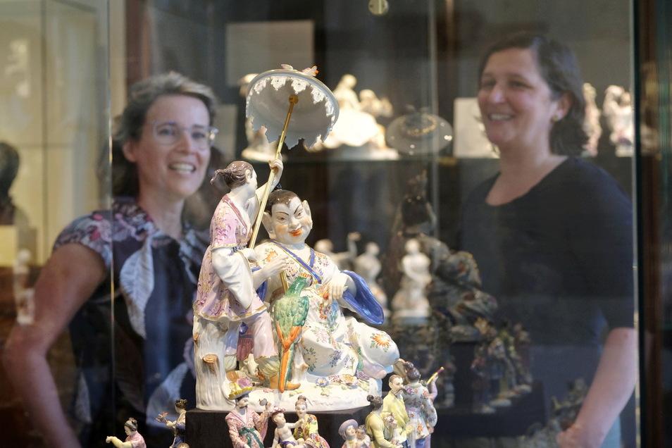 Das Land des ewigen Lächelns übte schon im 18. Jahrhundert eine unglaubliche Faszination auf Europa aus. Am Japanischen Palais, am Chinesischen Teehaus in Sanssouci und natürlich im Porzellan lässt sich dies erkennen.