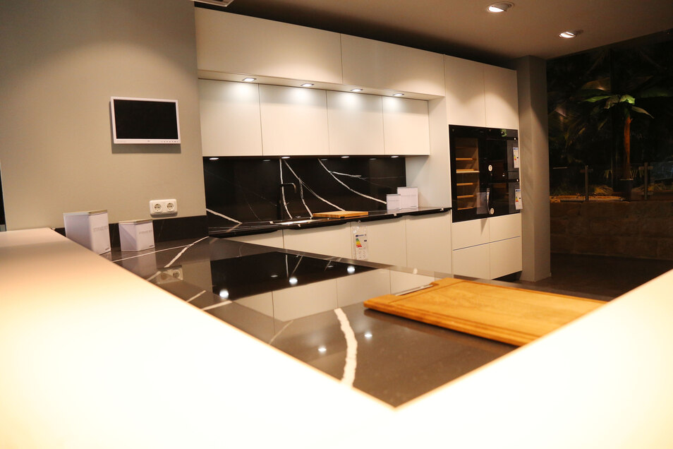 Das Küchenzentrum Dresden ist für namhafte Markenküchen bekannt, auch von der Firma Sachsenküchen aus dem Erzgebirge.