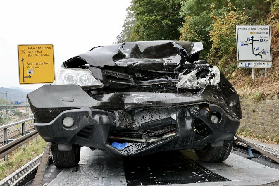 In dem Honda wurden drei Personen verletzt.