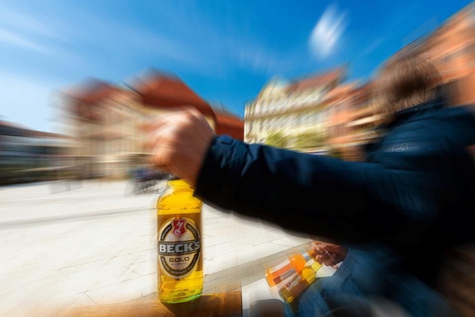 An Korn- und Buttermarkt in Bautzen fallen immer wieder Personen durch übermäßigen Alkoholkonsum auf. Das ist inzwischen auch Thema bei den regelmäßigen Sicherheitsrunden zwischen Stadtverwaltung und Polizei.