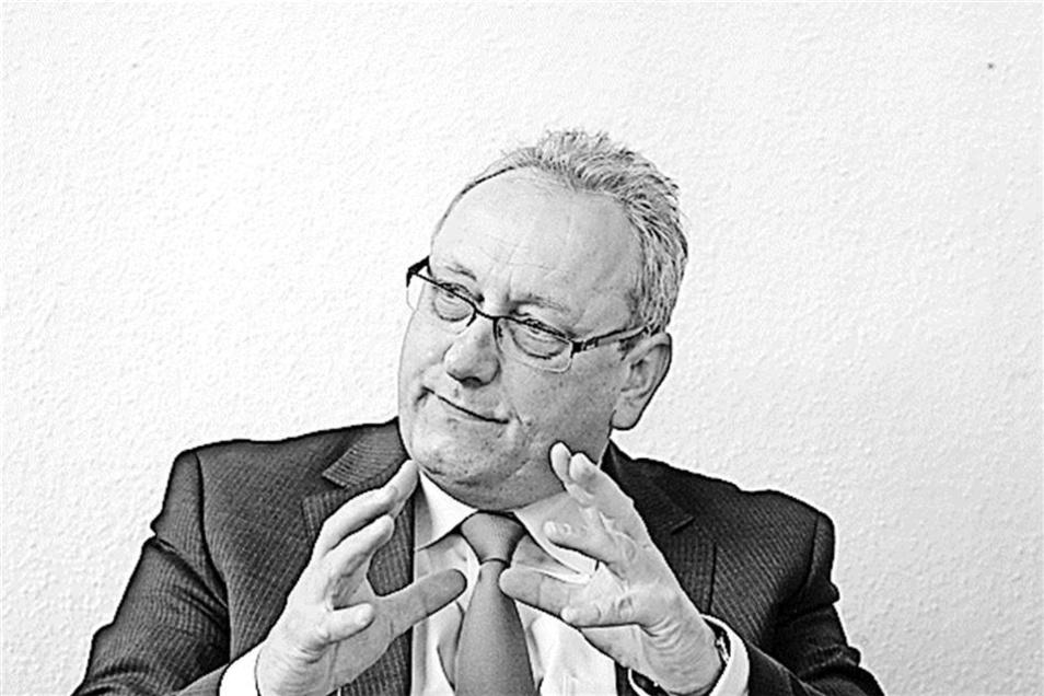 Justizminister Jürgen Martens (FDP) ist für die Gefängnisse zuständig. Diese Flucht sei ein absoluter Einzelfall, sagt er.