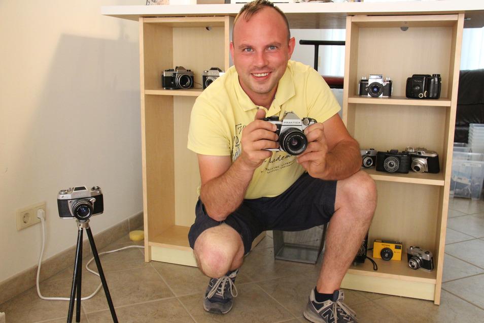 Alte DDR-Fototechnik kauft Marcel Kluger auf. An zwei Tagen macht er jetzt in Bautzen auf der Ziegelstraße Station.