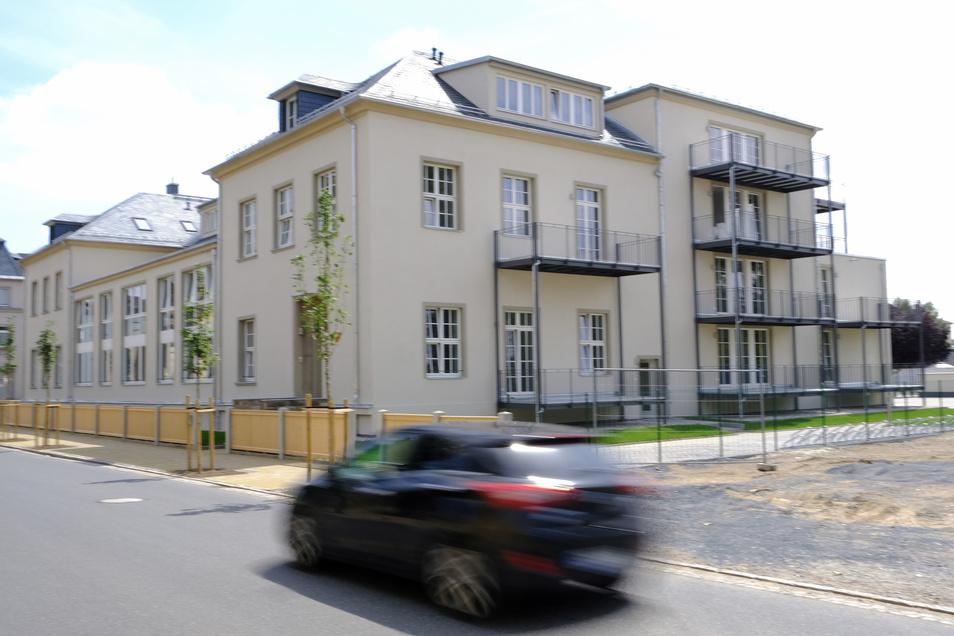 Frisch saniert: Im ehemaligen AWD-Klubhaus an der Gartenstraße sind neue Mietwohnungen entstanden. Noch stehen einige im Internet zum Angebot.